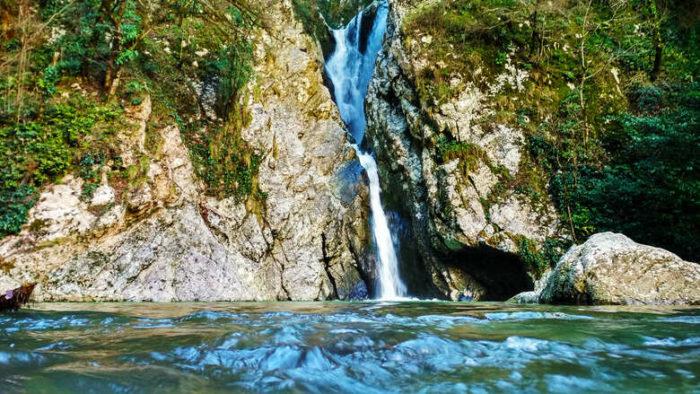 поход сочи на водопад агурский