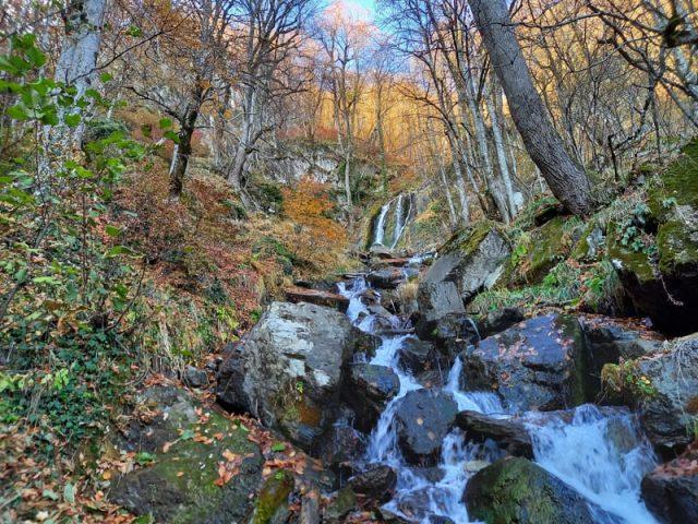 Водопад Кейву полный вид