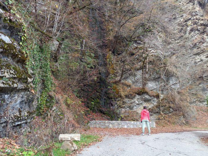 фото водопада Девичьи Слезы в сухую погоду