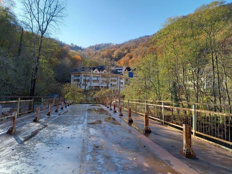 Мост к нарзану в Чвижепсе