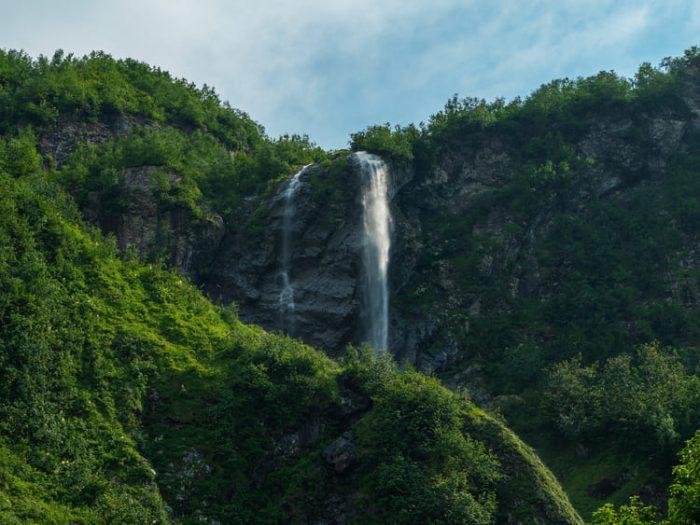 Фото водопада Поликаря в Июле