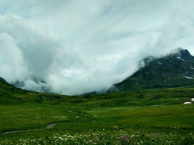 Водораздельный Кавказский хребет река Уруштен
