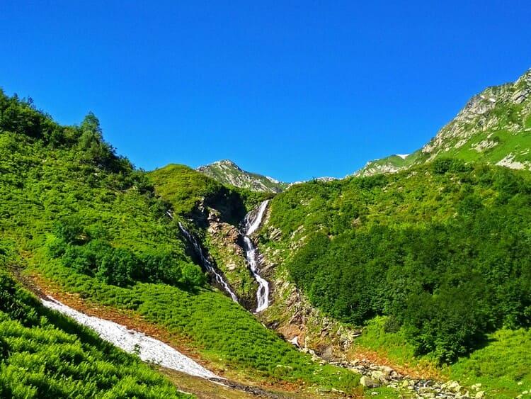 Фото ачипсинских водопадов летом